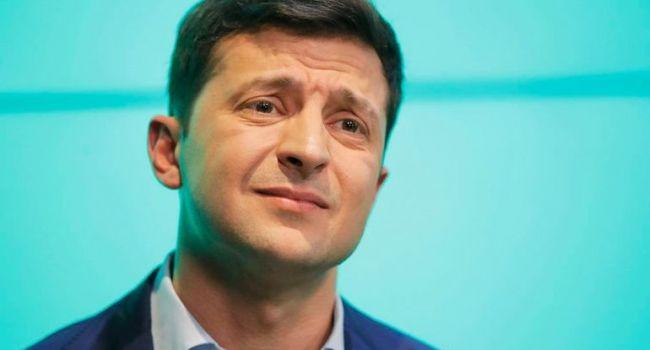 Блогер: скоро Зеленский поинтересуется, какие успехи в экономике, пошел ли экономический рост, заплывают ли жирком украинцы