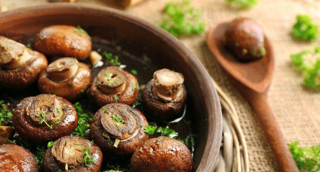 Сезон грибов в разгаре: Вкусный рецепт ароматных грибочков в духовке