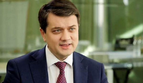 Разумков сообщил, когда в Раде наконец-то состоится час вопросов к Кабмину