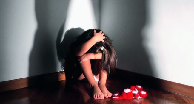 На Днепропетровщине мужчина изнасиловал 5-летнюю девочку