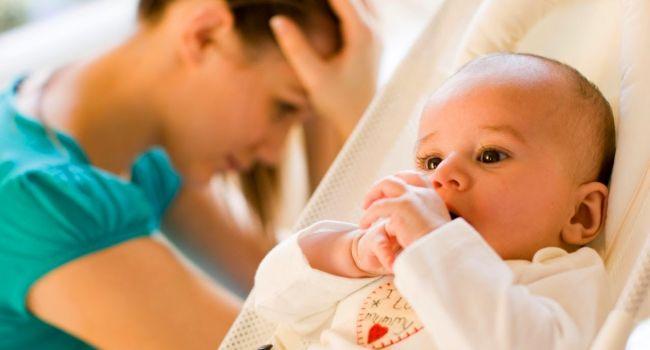 «Злятся на младенцев»: Психотерапевт рассказала о проявлениях послеродовой депрессии