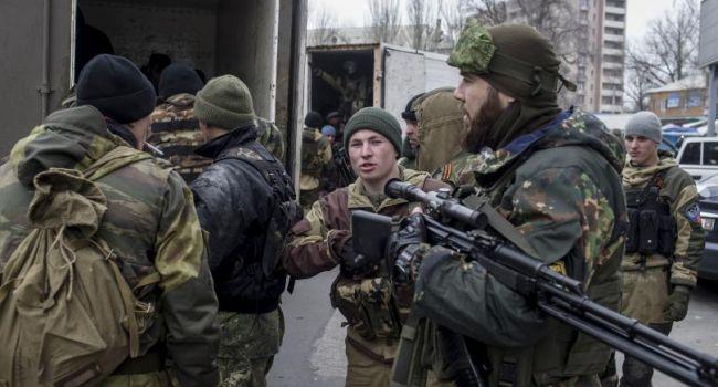 «В принудительном порядке»: Боевиков, получивших паспорта РФ, «выгоняют кнутом» на передовую