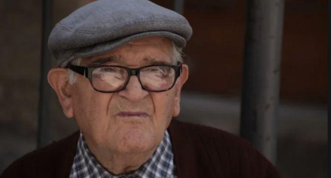«Душат пенсионеров проверками»: Престарелые украинцы останутся без пенсий.. их ожидает голодная гибель