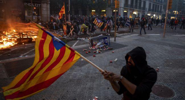 Испанские власти не пойдут на переговоры с Каталонией: беспорядки усиливаются