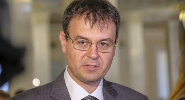«Не является приоритетной задачей»: Гетьманцев прояснил планы по налогообложению рынка такси в Украине