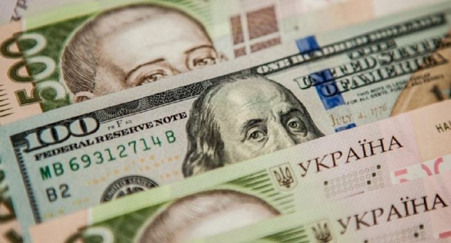 «Однозначный прогноз сделать сложно»: Экономист назвал факторы, которые могут повлиять на курс гривны