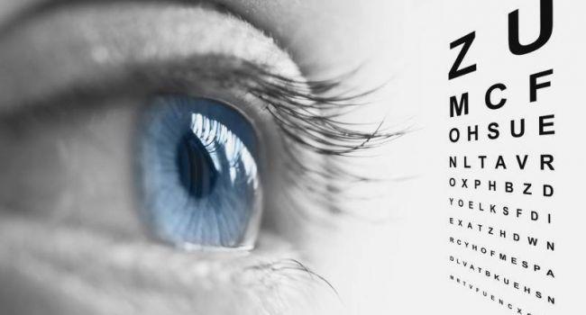 «Патология может прогрессировать»: Медики назвали все плюсы и минусы лазерной коррекции зрения