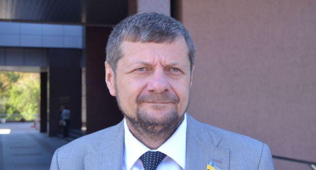 «Он знает, что такое повернуться к шефу спиной»: Блогер прокомментировал заявление Мосийчука о премьер-министре