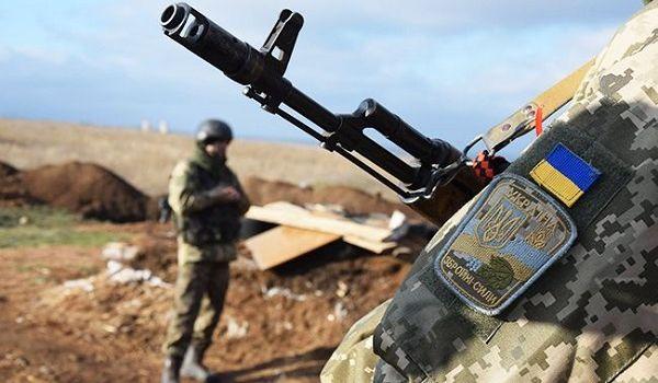 На Донбассе погиб один украинский военный, еще трое получили ранение