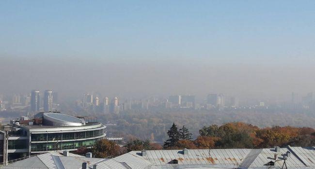«Температурная инверсия»: Эксперт объяснил, почему не рассеивается смог над Киевом