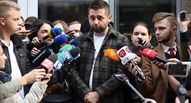 Подозреваемых в краже тестируют на полиграфе по 5 часов, «слуг народа» тестировали 38 минут, – блогер