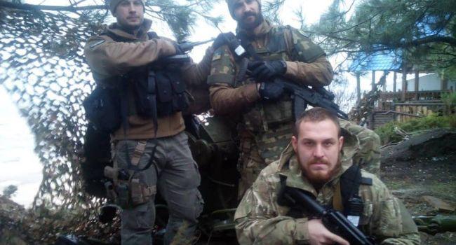 «Готовы взять оружие»: Ветераны в Золотом записали видеообращение
