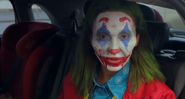 «На больную похожа! Еб***шка»: Оля Бузова разделила мнение россиян, перевоплотившись в Джокера