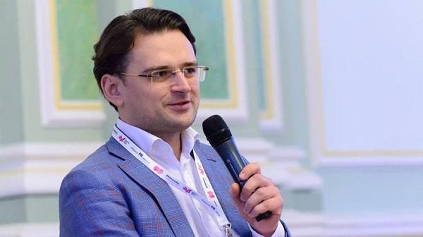 Кулеба считает, что в случае отмены антироссийских санкций Украина должна требовать компенсации