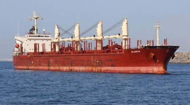 В водах Малайзии задержано судно с гражданами Украины