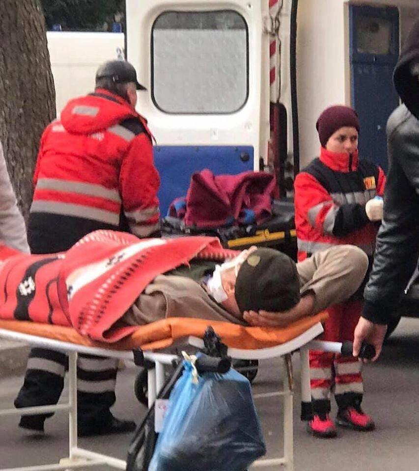 «Несколько сразу забрали в реанимацию»: в Киев прибыл новый борт раненых бойцов