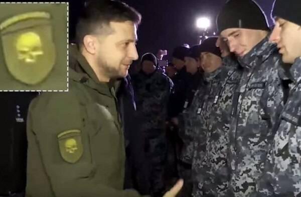 «Символика нацистов СС!»: на ТВ Путина взорвались из-за формы Зеленского