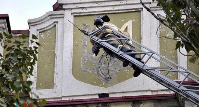 Винниченко: эти люди демонтируют символы Украины, а мы им особый статус – с занесением в Конституцию и амнистию?