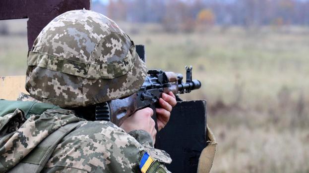 В штабе ООС рассказали о десятках обстрелов на Донбассе
