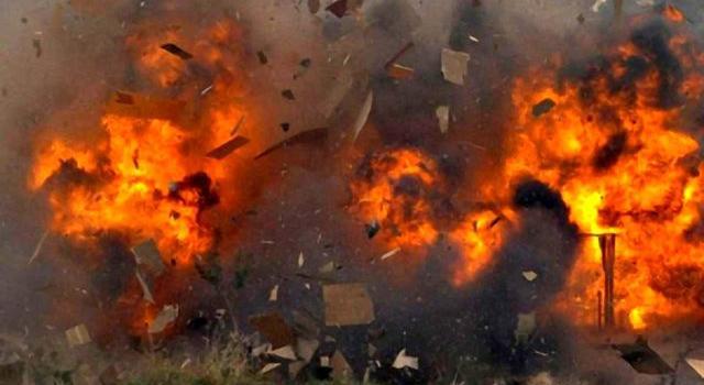 «Жители бегут кто куда»: Луганск продолжает содрогаться от сильнейших взрывов