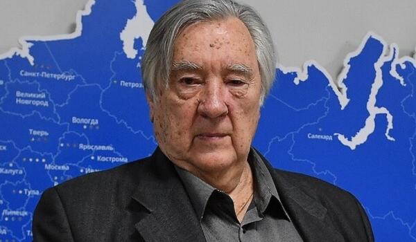 «Великолепные и прекрасные»: российский писатель поразил диким заявлением о репрессиях Сталина