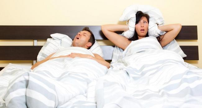 «Полезно разделиться»: Психологи рассказали, как лучше спать семейным парам