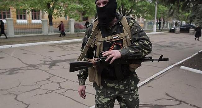 Политолог: соцопрос в ОРДЛО гарантировано прошел под контролем оккупантов и их наемников