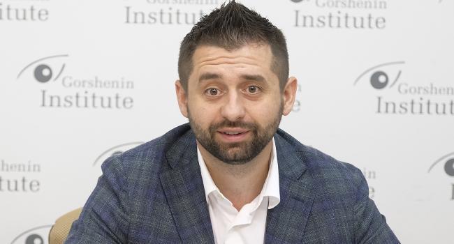 Арахамия заявил, что на должность Яременко в «Слуге народа» рассматривают трех кандидатов