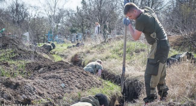 Вместо штрафов в «ЛДНР» террористы отправляют местных жителей рыть траншеи