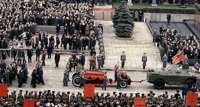 Історик: 37 років тому в цей день на СРСР мала напасти Америка