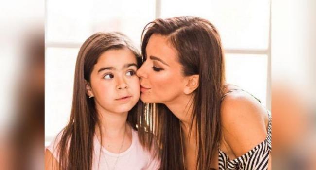 «Сама нежность»: Ани Лорак умилила сеть трогательным фото с дочкой Софией