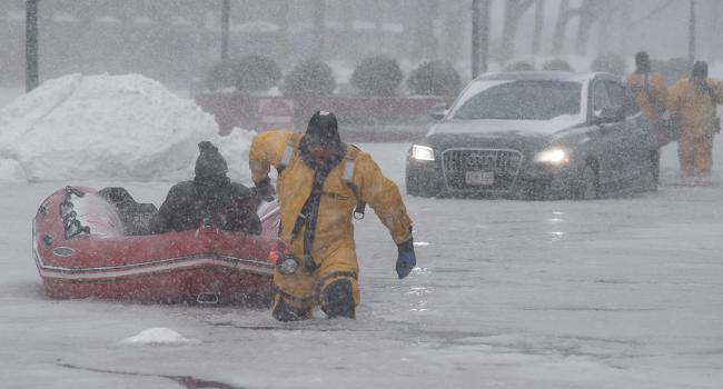 «Сибирский экспресс» в США»: Рекордный снегопад при низкой температуре парализовал жизнь Чикаго и других городов США