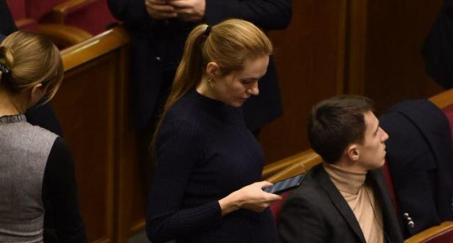 Телеведущая: в случае исключения из «Слуги народа», Аня не пропадет, Тимошенко с Новинским в беде не оставят