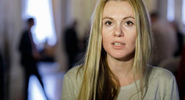 У Скороход нет выхода: политолог объяснил, зачем «Слуге народа» инцидент с нерадивым депутатом