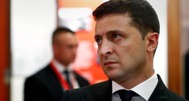 «Зеленского сейчас полностью изолировали от реальной информации»: Нардеп, исключенный из фракции «Слуги народа», сообщил об изоляции президента