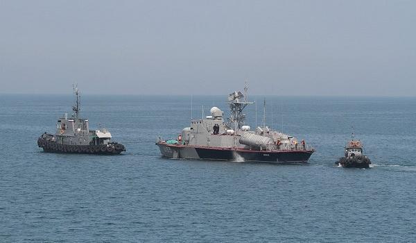 СМИ: корабли ФСБ России спокойно ходят всего за десять километров от Мариуполя