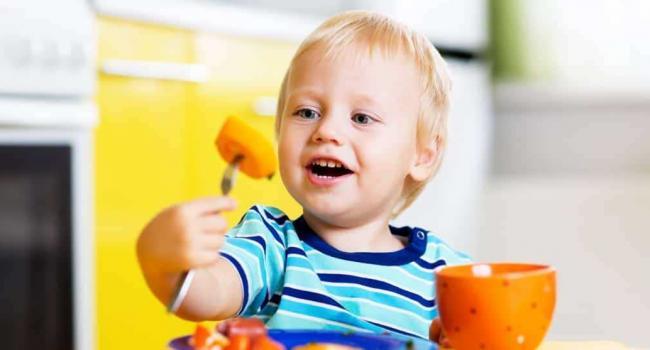Диетолог рассказала, чем кормить детей для укрепления иммунитета