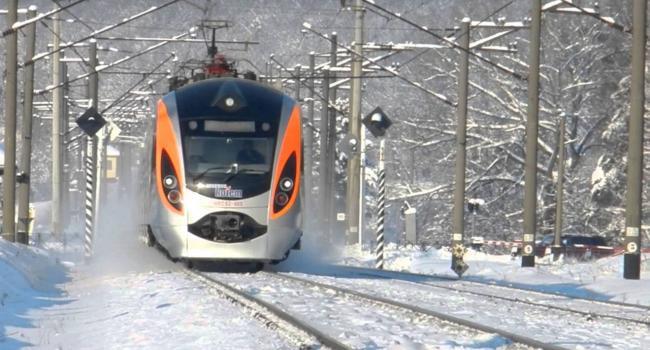 Теперь ежедневно: «Укрзализныця» изменила расписание движения поездов Львов-Перемышль
