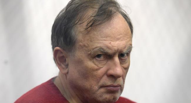 В интернете за рекордные суммы скупают книги маньяка и убийцы Соколова