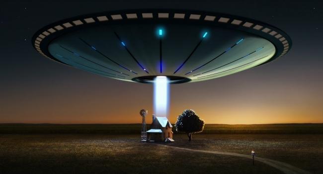 Уфолог: В США зафиксированы три огромных НЛО