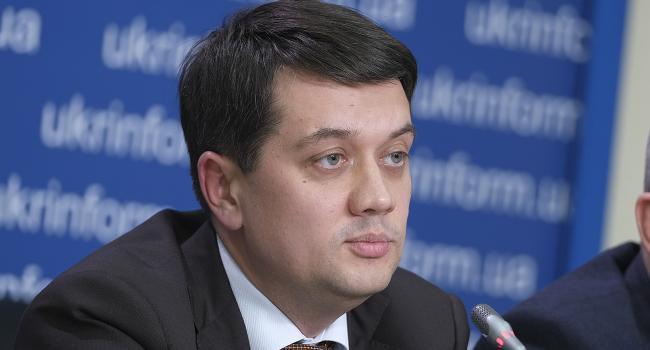 «Нужно ли вводить за это уголовную ответственность?»: Дмитрий Разумков рассказал, как в Украине собираются бороться с распространением фейков