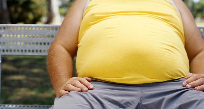 Почему с возрастом растет живот: Специалисты выяснили причину