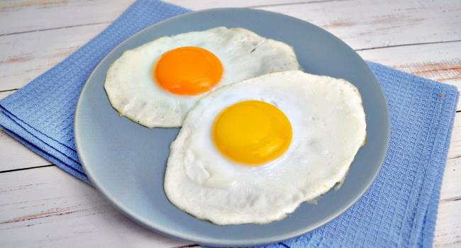 «Главный враг мужского здоровья»: Медики рекомендуют мужчинам отказаться от яичницы