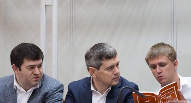 «А раньше тратили годы»: На предъявление обвинения Насирову и Новикову в суде потратили 10 минут