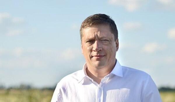 «Имеет право быть депутатом!»: журналист Бутусов раскрыл подробности скандала со «слугой-педофилом»