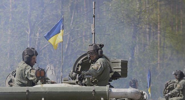 Политолог: Украину толкают идти на урегулирование, которое нам обойдется 25% бюджета и будет раза в 2 дороже, чем содержание ВСУ в год