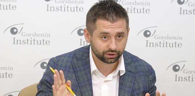 Партия «Слуга народа» требует от Иванисова сдачи мандата