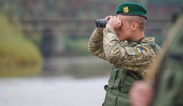 Сотрудники украинской погранслужбы пропускают в Россию контрабанду – Бутусов