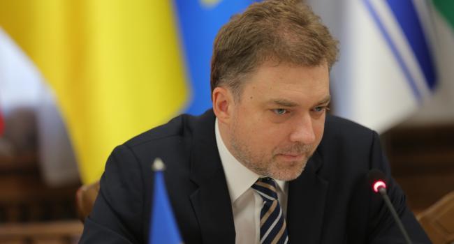 Если Украина является страной, которая себя уважает, значит, нужно требовать возвращения всех наших территорий - Загороднюк