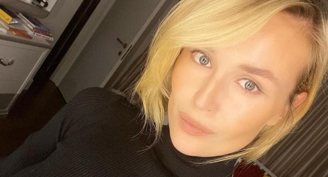 «О своих скромных привычках»: Полина Гагарина копается в мусорных отходах